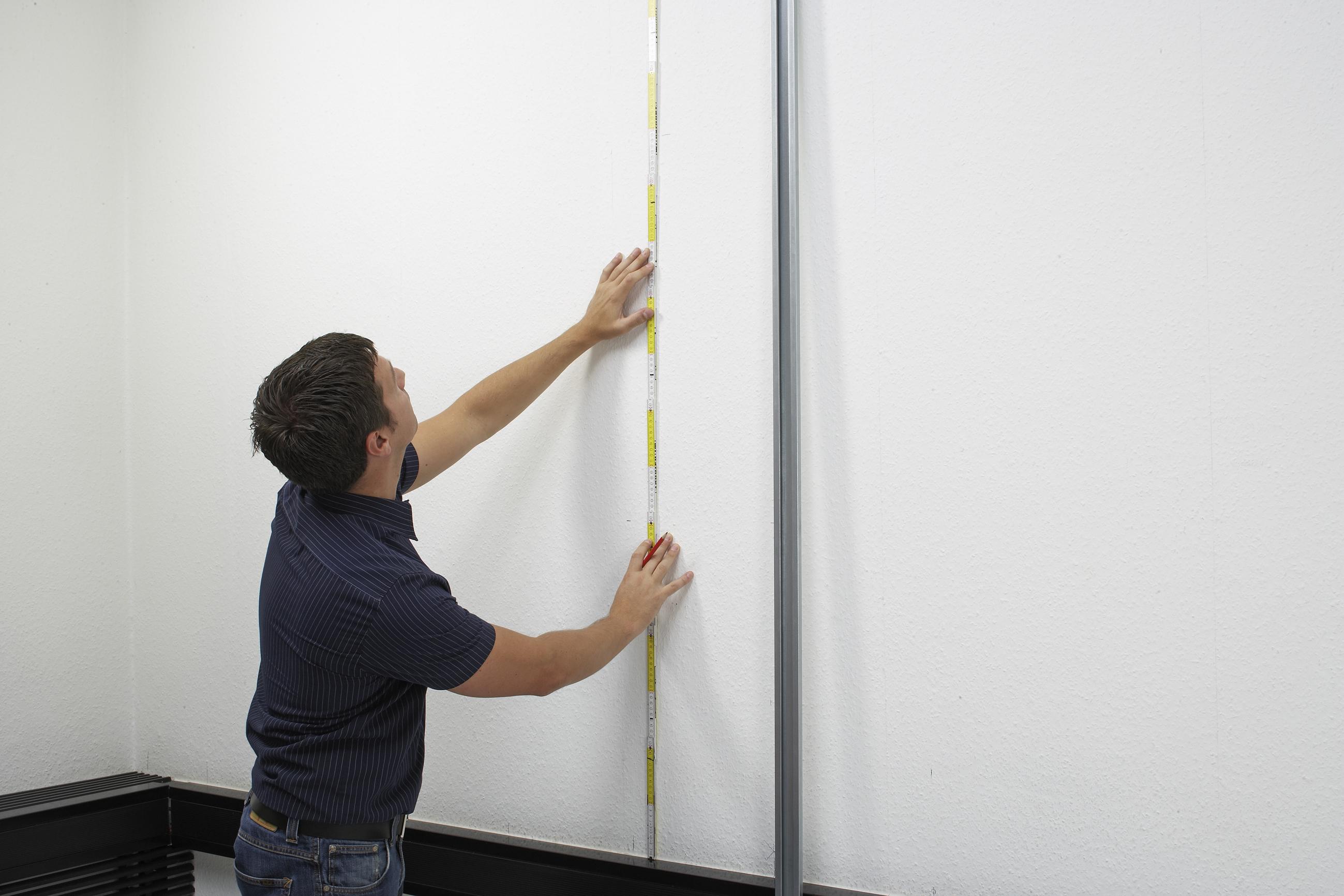 2009 - CLASSEN auf der DOMOTEX 2010 - Classen bringt Laminat an Wand ...